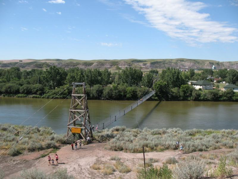 Canadian Bus Tour, drumheller suspension bridge